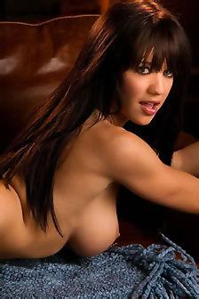 Sexy Tess Taylor Posing Nude