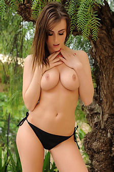 Lauren Wood Busty Natural Beauty