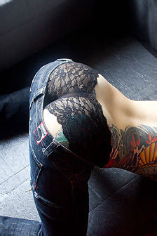 Eden Hot Tattooed Babe Gets Nude