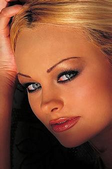 Martina Warren White Queen In Black Lingerie