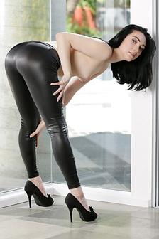Hot Nude Aria Alexander