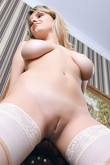 Busty Teen Vera Gets All Relaxed