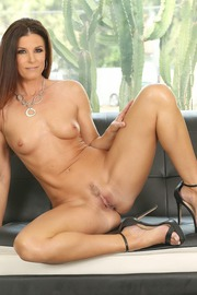40 YO Milfs First Time Lesbian Lickers With India Summer