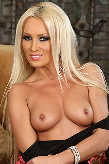 Diana Doll Hot Blonde Natural MILF Babe